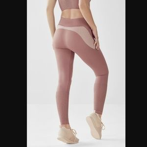 Fabletics Pants - Seamless High-Waisted Statement Legging - M Tall